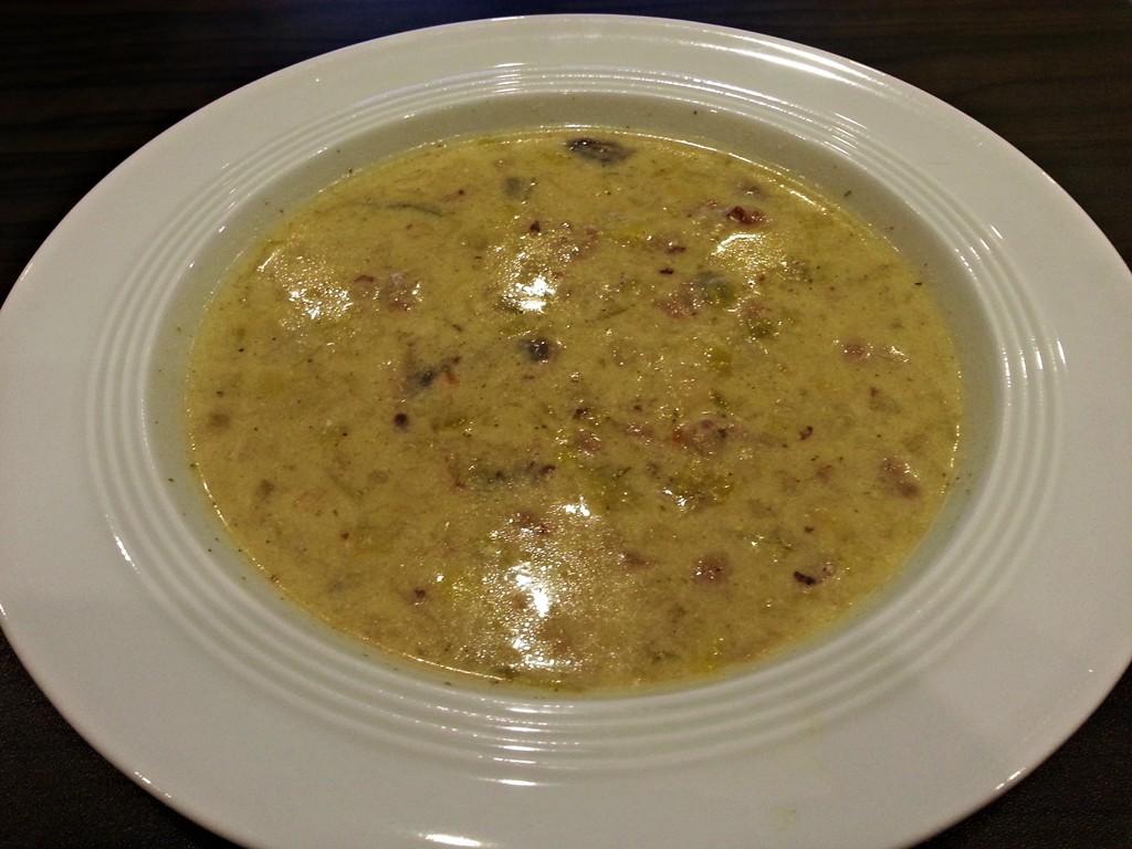 Käse-Lauch-Suppe ist der Partyklassiker schlechthin