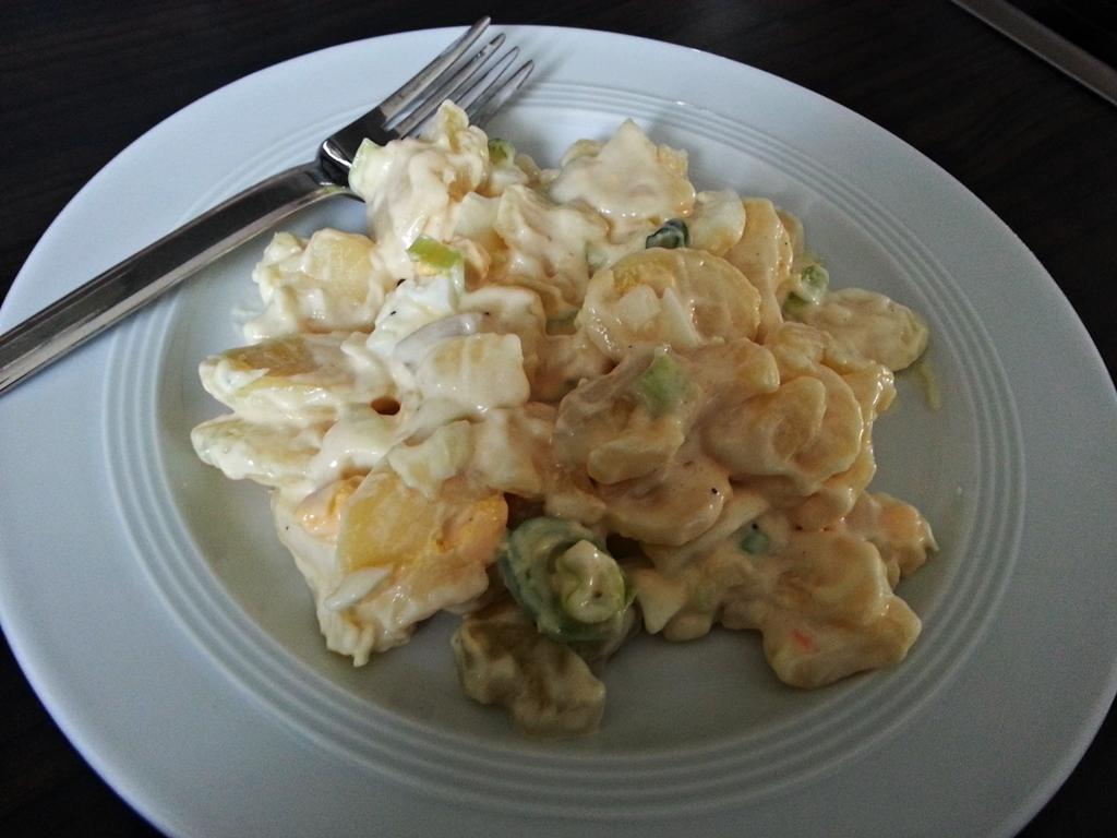 Leckerer Kartoffelsalat nach Omas Rezept.