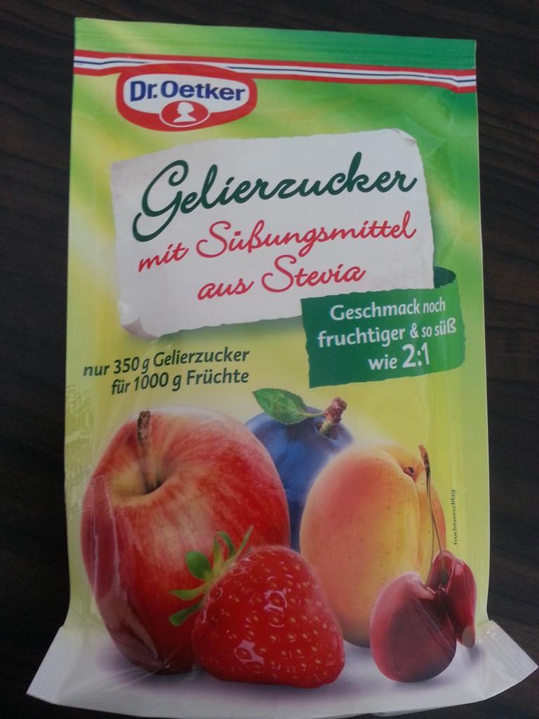 Erdbeermarmelade mit Stevia: Für dieses Rezept habe ich den Gelierzucker mit Stevia von Dr. Oetker ausprobiert.