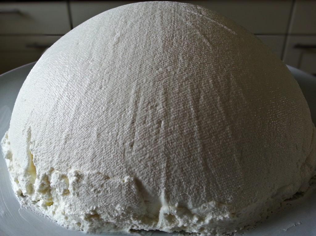 Joghurtbombe frisch gestürzt: Auch ohne Garnitur schon imposant.